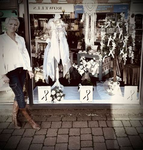 White Ribbon in the community - Broxtowe Women's Project