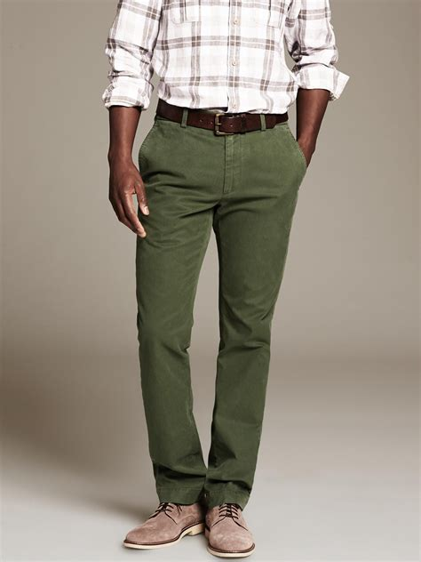 Banana republic Aiden Slim-Fit Chino in Green for Men | Lyst
