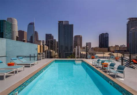 Renaissance Tower   Luxury Apartments in Downtown Los Angeles