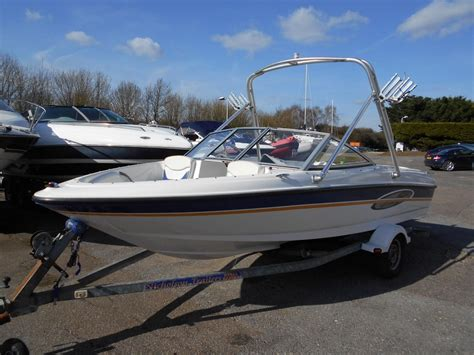 2004 Bayliner 175 XT with wakeboard tower Power Boat For