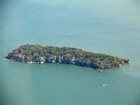 Middle Bass Island - Aerial Photographs of the Lake Erie