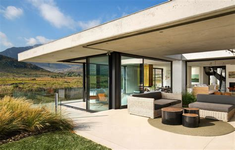 Easy-Living in South Africa by SAOTA - VUE magazine