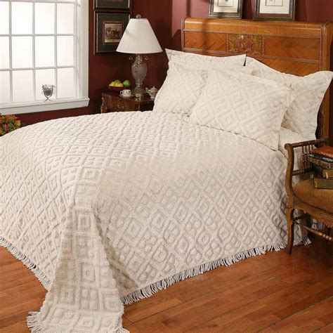 White Chenille Bedspread King : Home Decor - Simple Yet