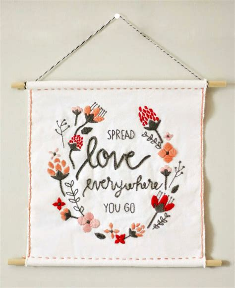 DIY Valentine's Day Wall Hanging + Free Template! | The