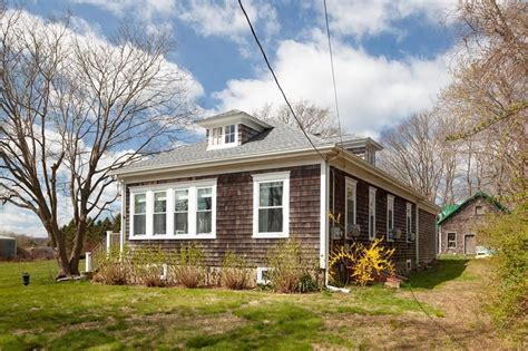 Home for sale: $649,900 739 Wapping Rd, Portsmouth, RI