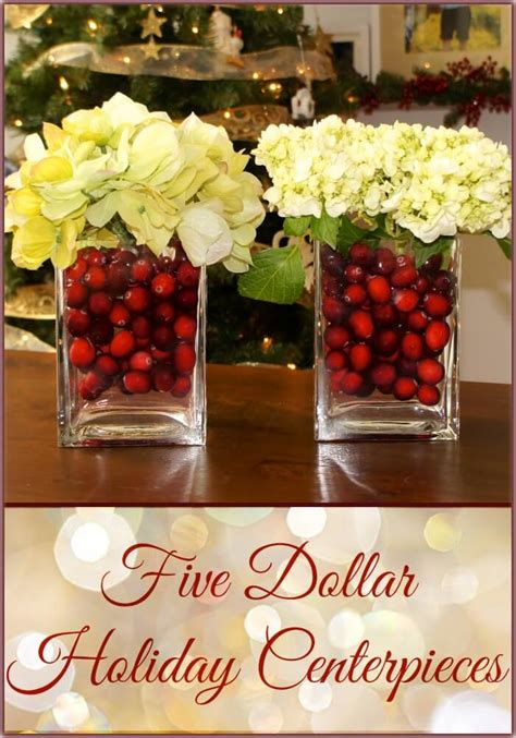 28 Best DIY Christmas Centerpieces (Ideas and Designs) for