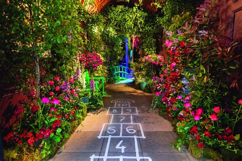 An Instagrammable royal-themed flower show has sprung in