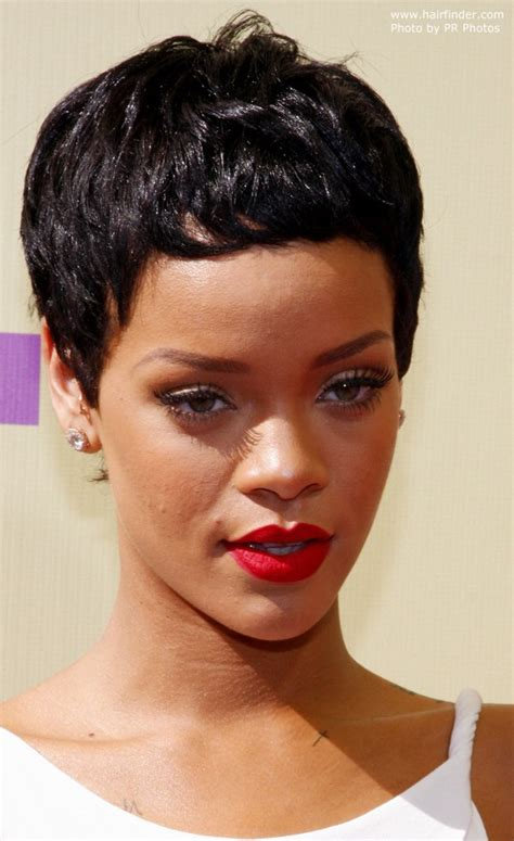 Rihanna | Easy to manage and to maintain short pixie haircut