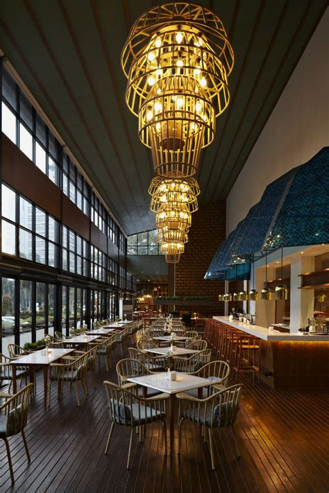 Dapour 100 Eatery and Bar by Alvin T | Floornature